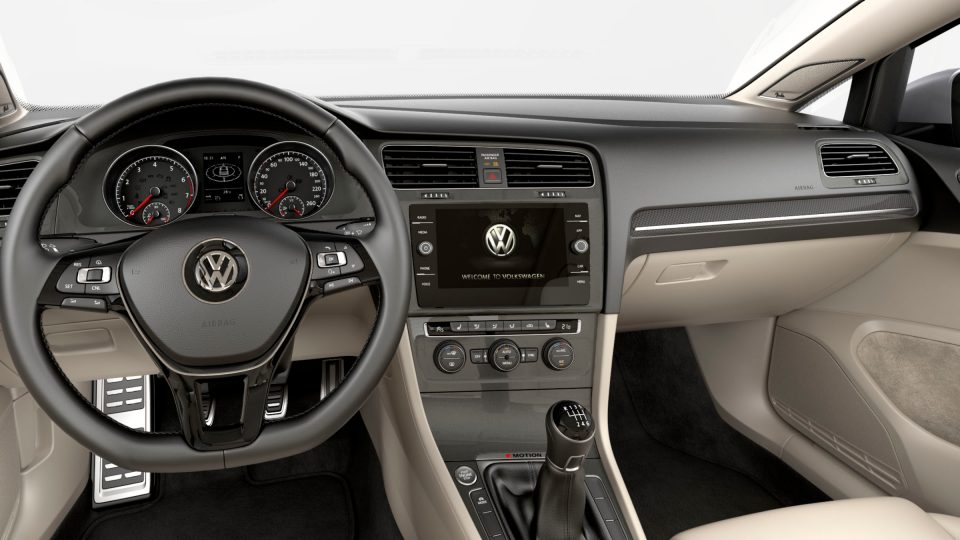2018 Golf Alltrack Discover Media